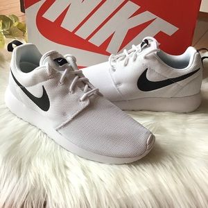 Women Nike Roshe One